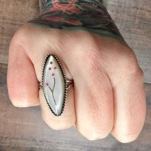 Vintage Mother of Pearl Coral Sterling Silver Ring